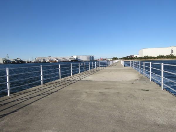 堤防 三番瀬